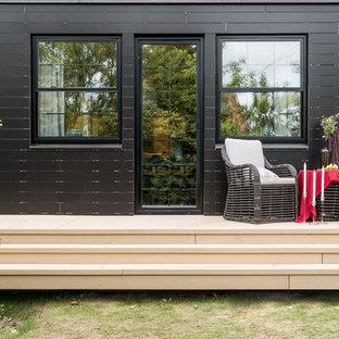 Идея дизайна: терраса среднего размера на заднем дворе в современном стиле без защиты от солнца