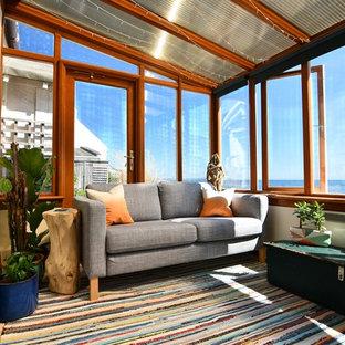 Неиссякаемый источник вдохновения для домашнего уюта: терраса в морском стиле с стандартным потолком