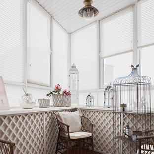 Ispirazione per una piccola veranda shabby-chic style