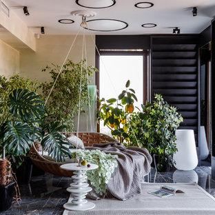 Стильный дизайн: терраса в современном стиле с стандартным потолком и серым полом - последний тренд