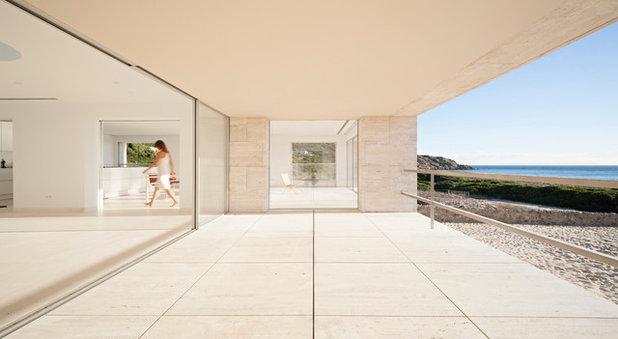 Contemporary Deck by Alberto Campo Baeza