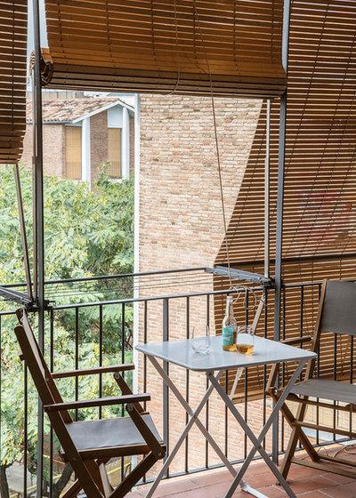 Mediterranean Terrace & Balcony by Bloomint