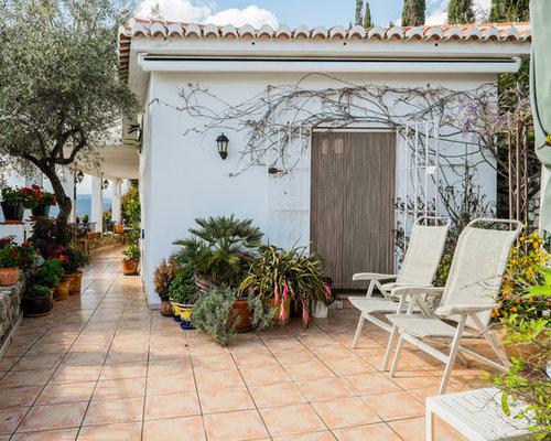 unbedeckte mediterrane terrasse ideen f r die. Black Bedroom Furniture Sets. Home Design Ideas