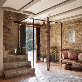 Diseño de escalera en L, rural, de tamaño medio