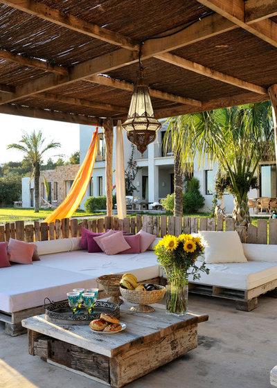 Mediterranean Porch by Manuel Prats Fotografía