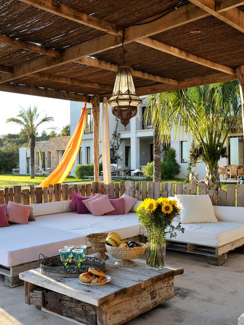 Mediterranean Veranda Design Ideas, Renovations & Photos