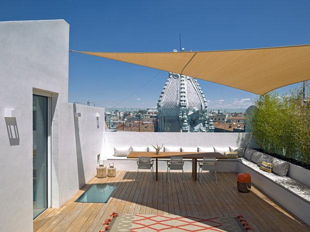 Moderno Terraza y balcón by ÁBATON