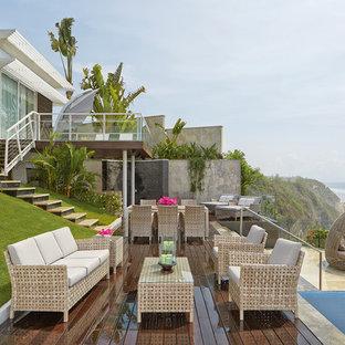 Imagen de terraza costera, sin cubierta, en patio trasero