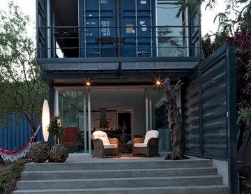 TIEMBLO HOUSE