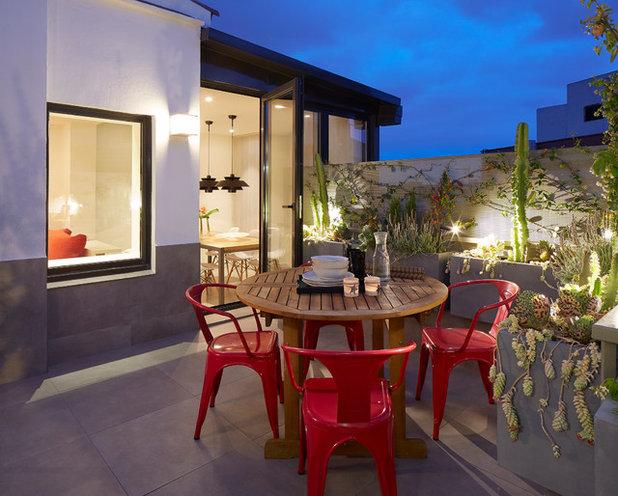 Contemporáneo Terraza y balcón by MOLINS DESIGN