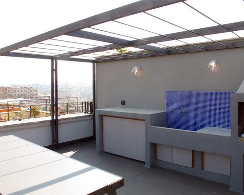 Exemple Du0027une Terrasse Moderne Avec Une Pergola.