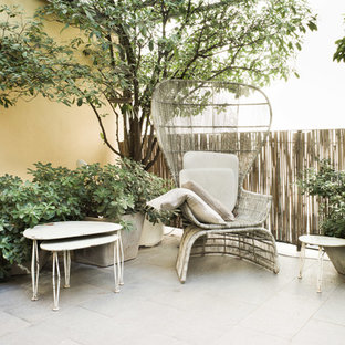 Inspiration for a shabby-chic style deck remodel in Milan