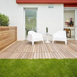 Ispirazione per terrazze e balconi design dietro casa con nessuna copertura