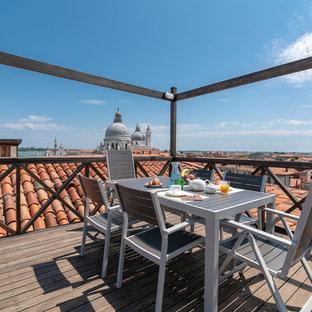 Foto di terrazze e balconi minimal sul tetto con nessuna copertura