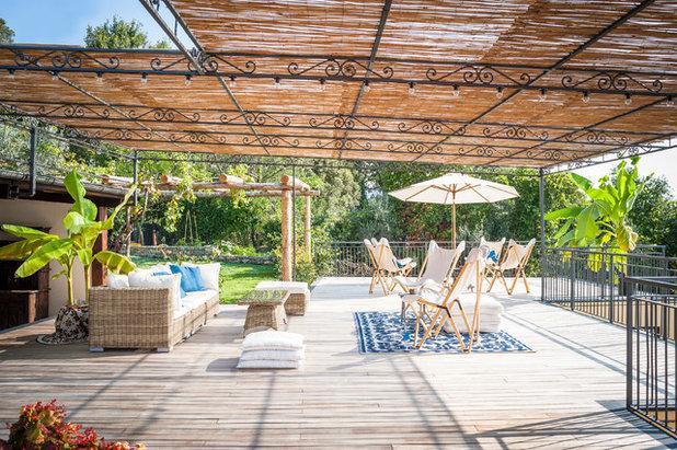 Beach Style Deck by IB Studio