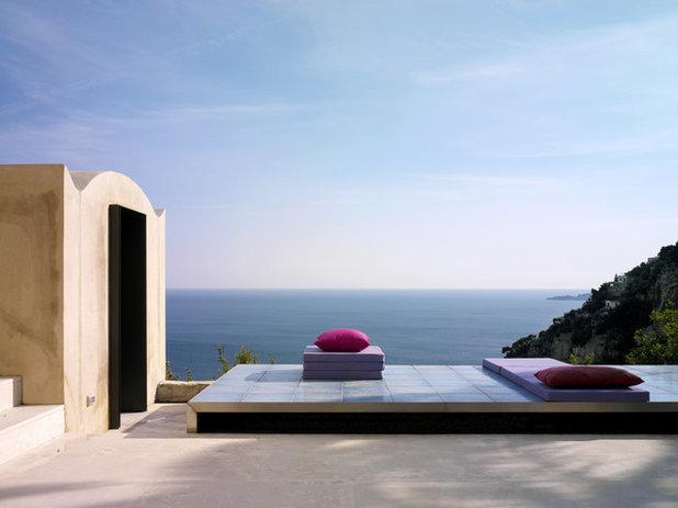 Mediterranean Deck by Lazzarini Pickering Architetti