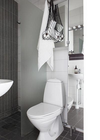 Skandinavisk Toalett by Alvhem Mäkleri & Interiör