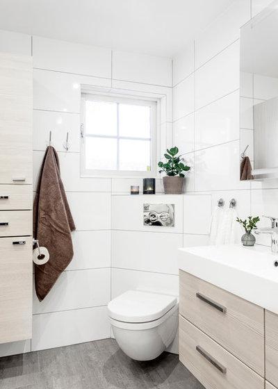 Skandinavisk Lille badeværelse by A3 Byggprojekt AB