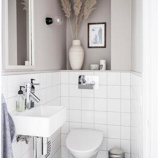 Bild på ett litet nordiskt badrum