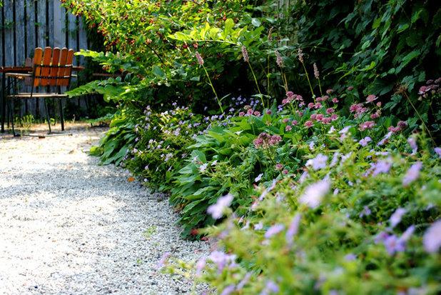 Klassisk Trädgård by ZistO trädgårdsdesign