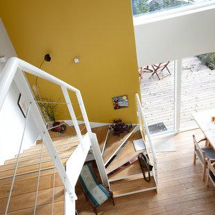 エスビャールの北欧スタイルのおしゃれな階段の写真