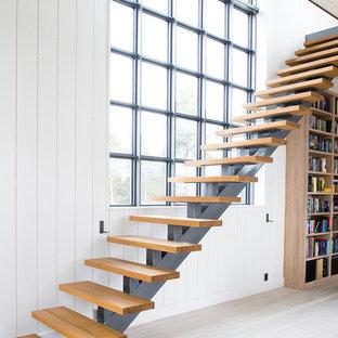 ストックホルムの北欧スタイルのおしゃれな階段の写真