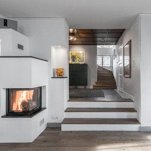 Idéer för mellanstora nordiska trappor i trä