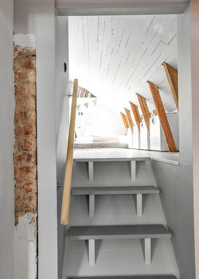Skandinavisch Treppen by Fastighetsbyrån