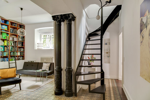 Modern Treppen by REFUGIUM - Interior Design