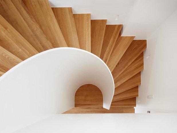 Modern Treppen by fluidlab architektur design
