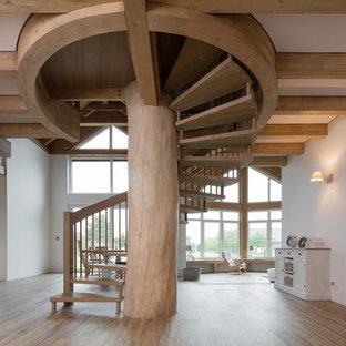 Große Rustikale Treppe Mit Offenen Setzstufen In Nürnberg
