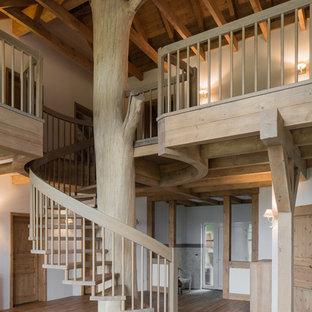 Wunderbar Große Urige Treppe Mit Offenen Setzstufen In Nürnberg
