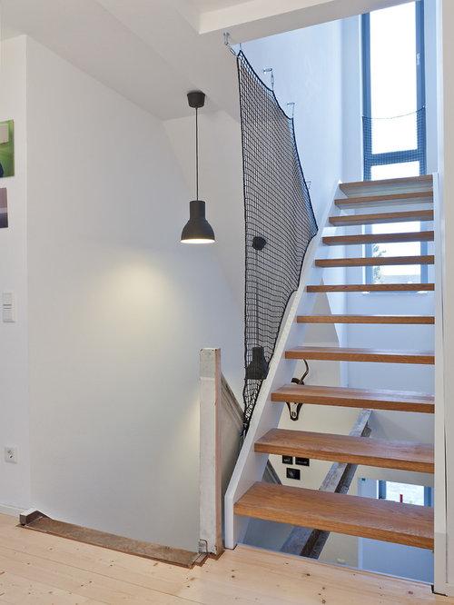 holztreppen in l form ideen f r treppenaufgang. Black Bedroom Furniture Sets. Home Design Ideas