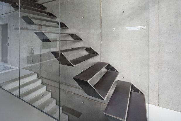 Modern Treppen by Schiller Architektur BDA
