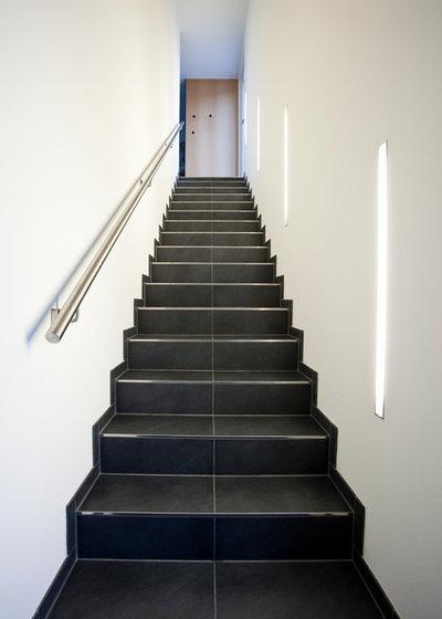 beleuchtung im treppenhaus ein experte gibt tipps zur licht planung. Black Bedroom Furniture Sets. Home Design Ideas