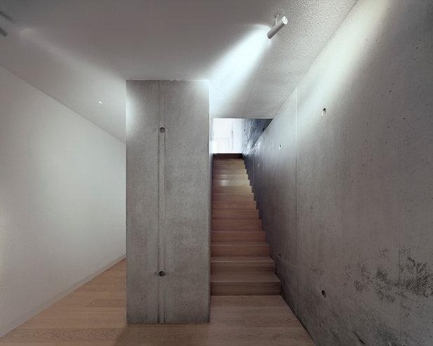 Minimalistisch Treppen by KPT Architekten