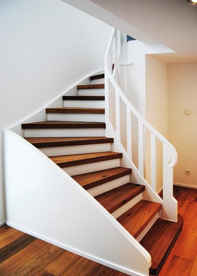 Modern Treppen by Guido Seidel Architekt