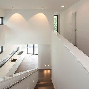 Gerade Moderne Holztreppe mit Holz-Setzstufen in Köln