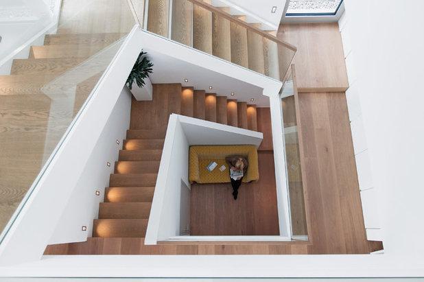 Architektur ein haus am hang mit raffinierten l sungen for Haus innen planen