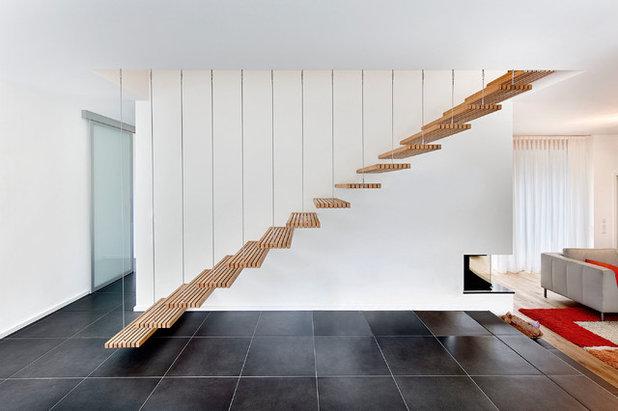 Modern Treppen by M3 Architekten