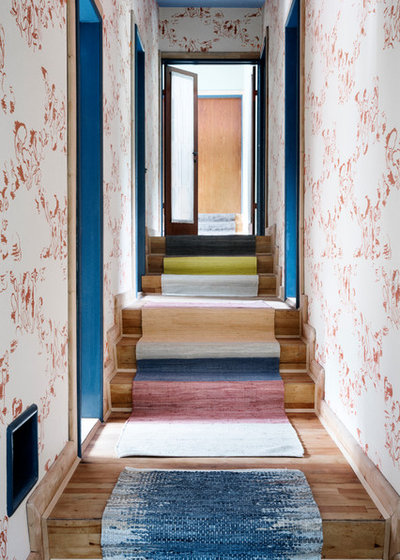 Shabby-Chic Style Staircase by myadele online GmbH