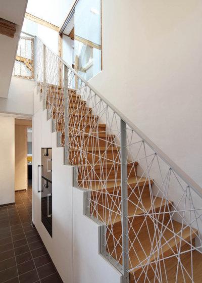 Modern Treppen by Architekturbüro zwo P Planungsgesellschaft mbH
