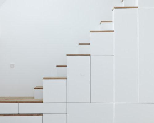 kleine gerade treppen ideen f r treppenaufgang treppenhaus. Black Bedroom Furniture Sets. Home Design Ideas