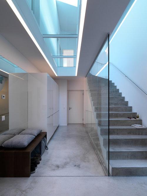 Glas treppenhaus treppenhausgestaltung und treppen for Gestaltung treppenhaus bilder