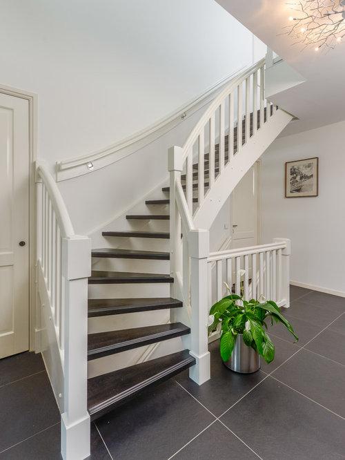 klassische treppen mit offenen setzstufen ideen design bilder houzz. Black Bedroom Furniture Sets. Home Design Ideas