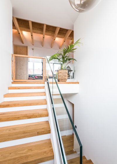 Modern Treppen by Innenausbau Binder GmbH