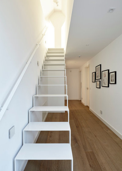 Modern Treppen by falke architekten