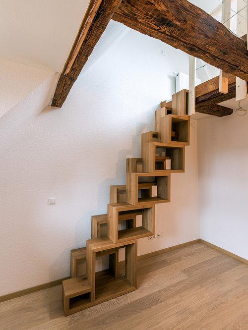 ejemplo de escalera recta rstica pequea con escalones de madera y de
