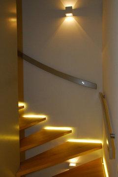 suche pendelleuchten f rs treppenhaus. Black Bedroom Furniture Sets. Home Design Ideas
