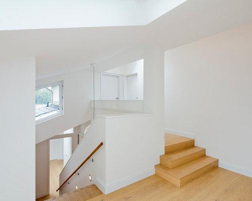 moderne treppen mit holz setzstufen ideen f r. Black Bedroom Furniture Sets. Home Design Ideas